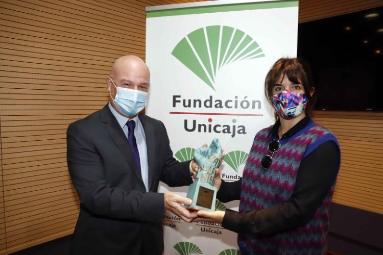 Fundación Unicaja entrega el XXXIV Premio Unicaja de Poesía a Lidia Bravo y convoca una nueva edición