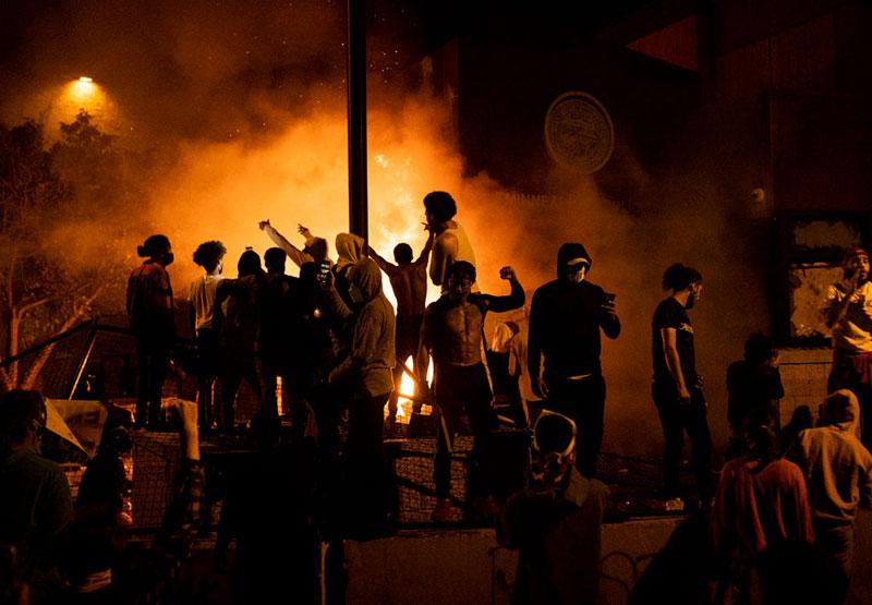 Disturbios y saqueos. La mecha está encendida