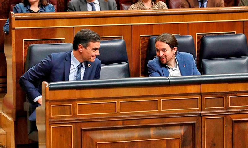 PSOE y Podemos acosan desde el Gobierno la Constitución Española