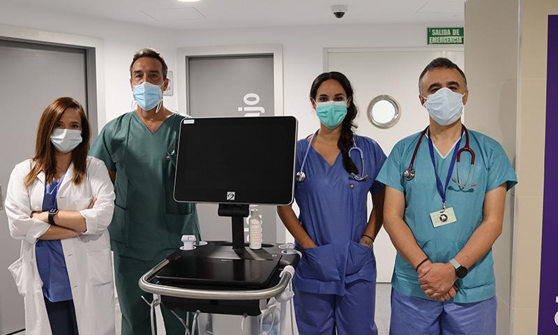 El uso de la ecografía pulmonar permite que profesionales de Urgencias del Hospital Regional de Málaga se anticipen en el tratamiento de los pacientes Covid-19