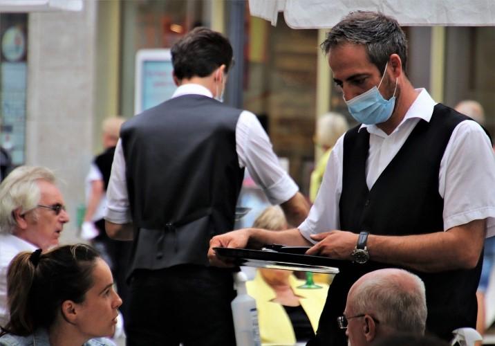 Medidas para evitar contagios en bares y restaurantes. Yari Marie Maldonado Rodríguez. Técnico en Prevención de Riesgos Laborales e Higienista Industrial. Grupo ANP