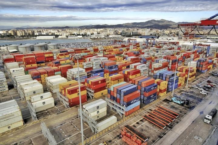 La terminal de muelle 9 bate su récord de almacenamiento  de contenedores en las instalaciones portuarias