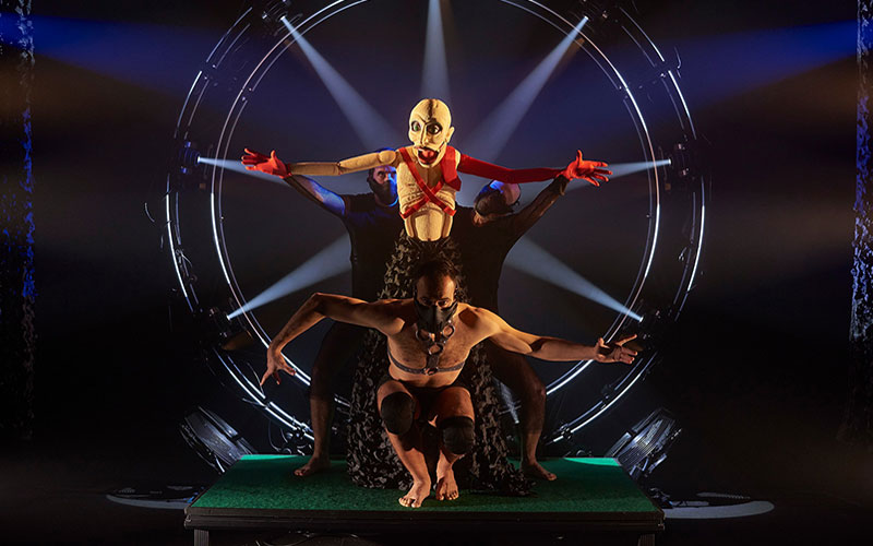 El Teatro Cánovas finaliza el año con el sello inconfundible de la compañía El Espejo Negro