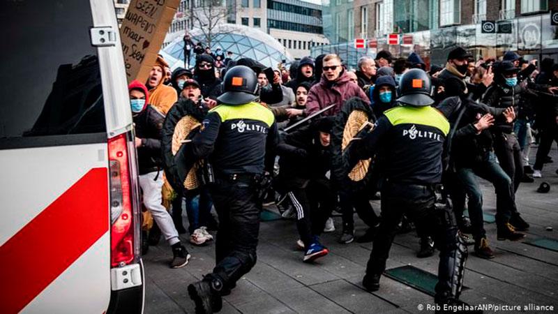 En Países Bajos y Dinamarca hay protestas contra el confinamiento