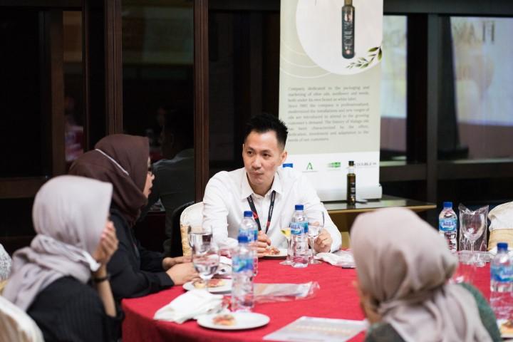 Extenda abre camino al AOVE andaluz en Indonesia ante unos consumidores asiáticos muy interesados en sus beneficios para la salud