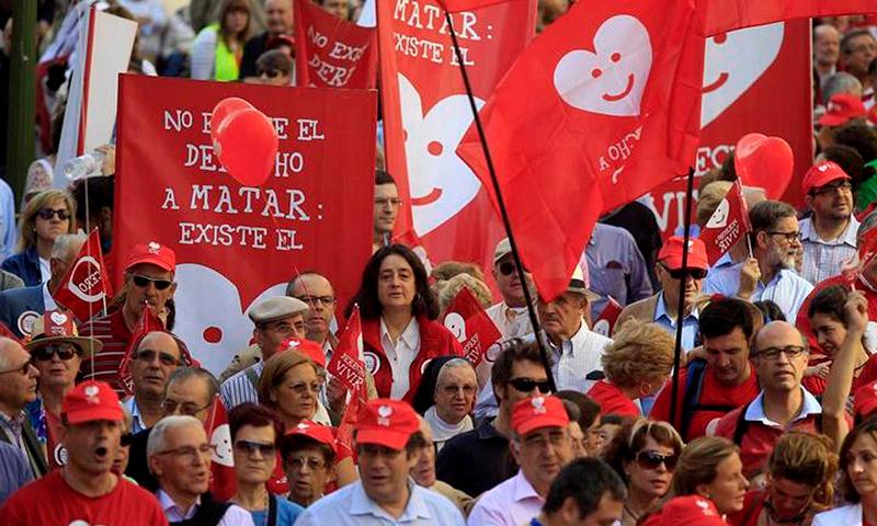 10 años sin resolver el Tribunal Constitucional el recurso a la ley del aborto