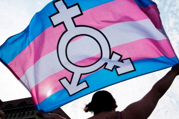 """""""Guerra"""" en Cataluña entre el feminismo y el movimiento """"trans"""" a propósito de una ley"""