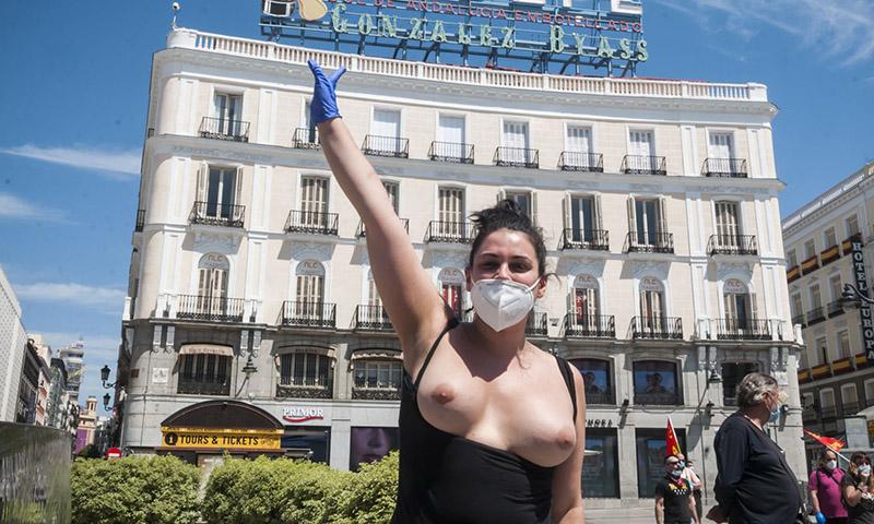 Las prostitutas contra la ministra de ¿Igualdad? y la vicepresidenta Calvo