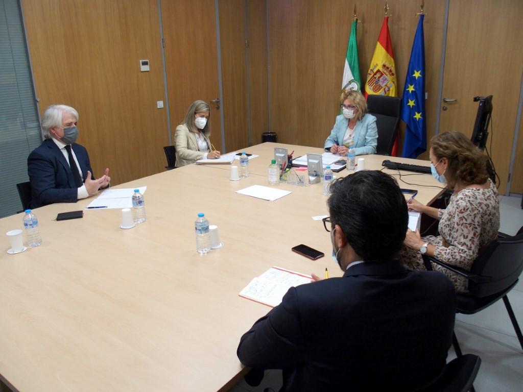 El Colegio de Abogados de Málaga y la Delegación de Empleo trabajan para agilizar las conciliaciones del CMAC