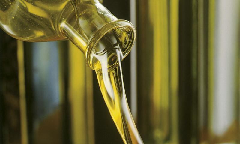 Andalucía refuerza su liderazgo mundial de venta de aceite de oliva al incrementar un 22,5% sus exportaciones en el primer cuatrimestre de 2021