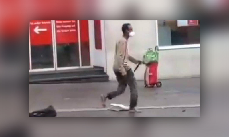 Imágenes del somalí que, presuntamente, dejó tres muertos y varios heridos en Alemania