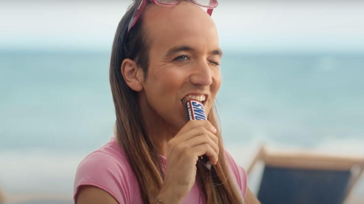 Censura LGTBI a un anuncio de Snickers