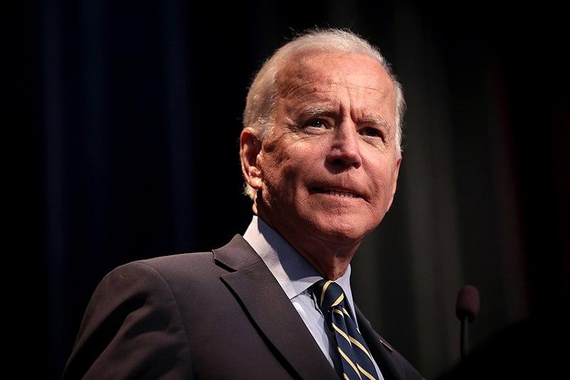 Biden despide al padre de un adolescente con síndrome de Down del Consejo de Discapacidades