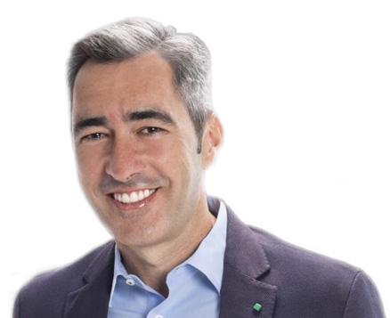 El alcalde de Benalmádena, Víctor Navas, impide la lectura y votación de una moción de Vox que pide que se cumpla la ley
